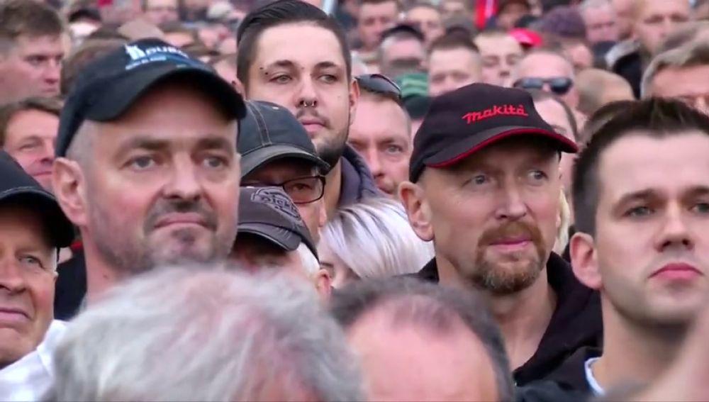 La ultraderecha alemana vuelve a manifestarse contra Merkel y los refugiados