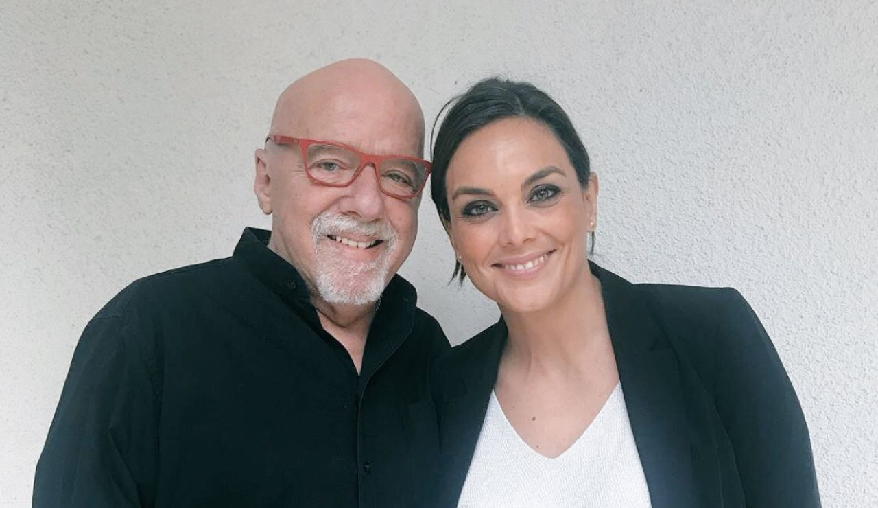 Mónica Carrillo y Paulo Coelho