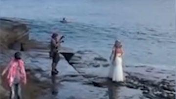 La naturaleza quiso que esta pareja no olvidara la sesión de fotos de su boda