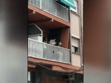 Enfrentamiento entre los vecinos y un clan familiar en La Llagosta