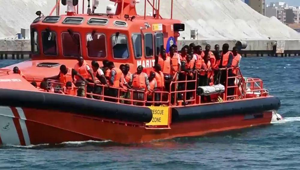 Rescatan a 659 de 16 pateras frente a las costas andaluzas