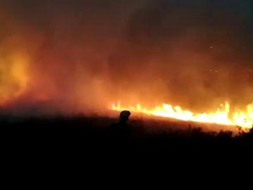 Un incendio provocado por un rayo arrasa 60 hectáreas en Lugo