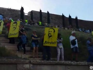 Miles de personas forman una cadena humana en Lleida por la libertad de los presos políticos