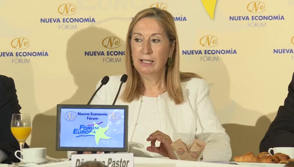 Ana Pastor invita a Torra a ir al Congreso para defender su postura política