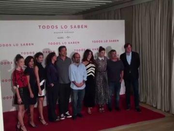 """Javier Bardem y Penélope Cruz presentan nueva película juntos """"Todos lo saben"""""""