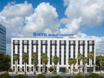 Fachada del Hotel Sevilla Congresos