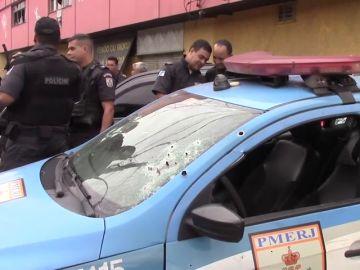 Policías tiroteados por ladrones de camiones en Brasil