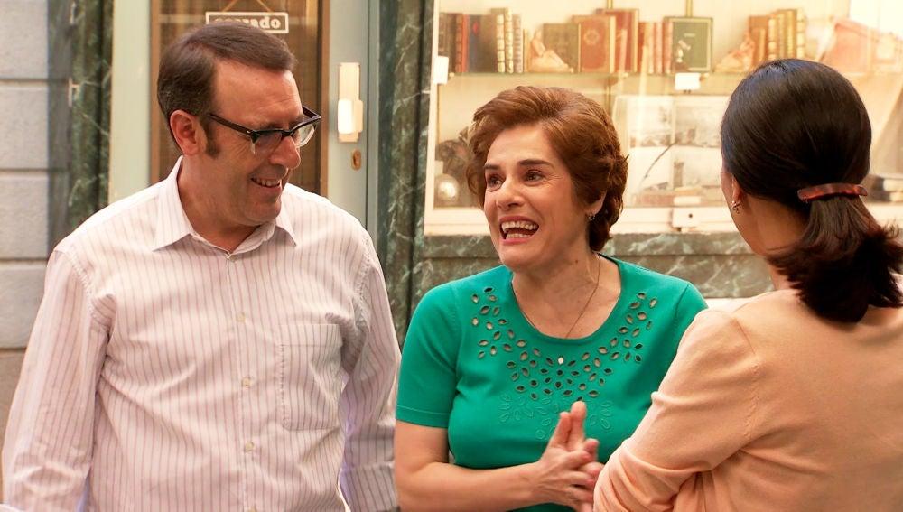 Benigna y Benito han vendido la librería y ¡son ricos!Benigna y Benito han vendido la librería y ¡son ricos!
