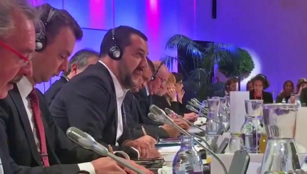 """Crece la tensión sobre la inmigración en Europa: un ministro luxemburgués manda """"a la mierda"""" a Matteo Salvini"""