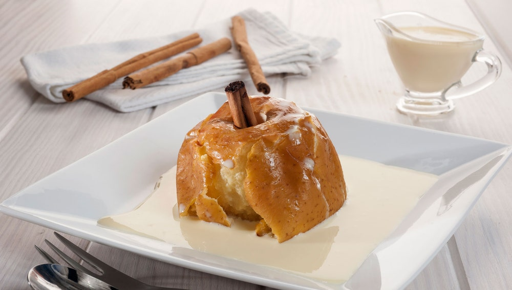 Manzanas asadas con crema de canela