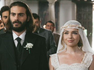 Isaac y Antolina se dan en 'sí, quiero' en un matrimonio sin amor