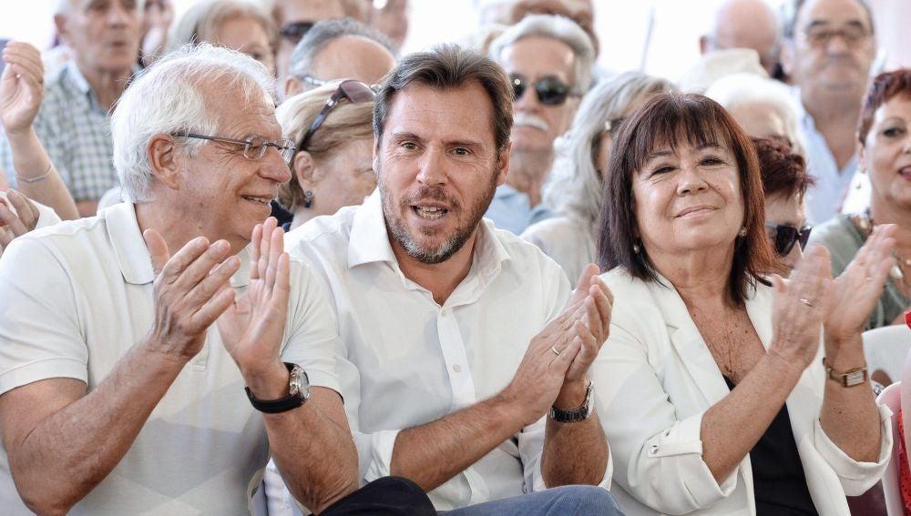 Josep Borrell, en un acto con Óscar Puente y Cristina Narbona