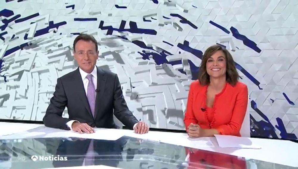 Matías Prats y Mónica Carrillo celebran sus 10 años juntos en televisión
