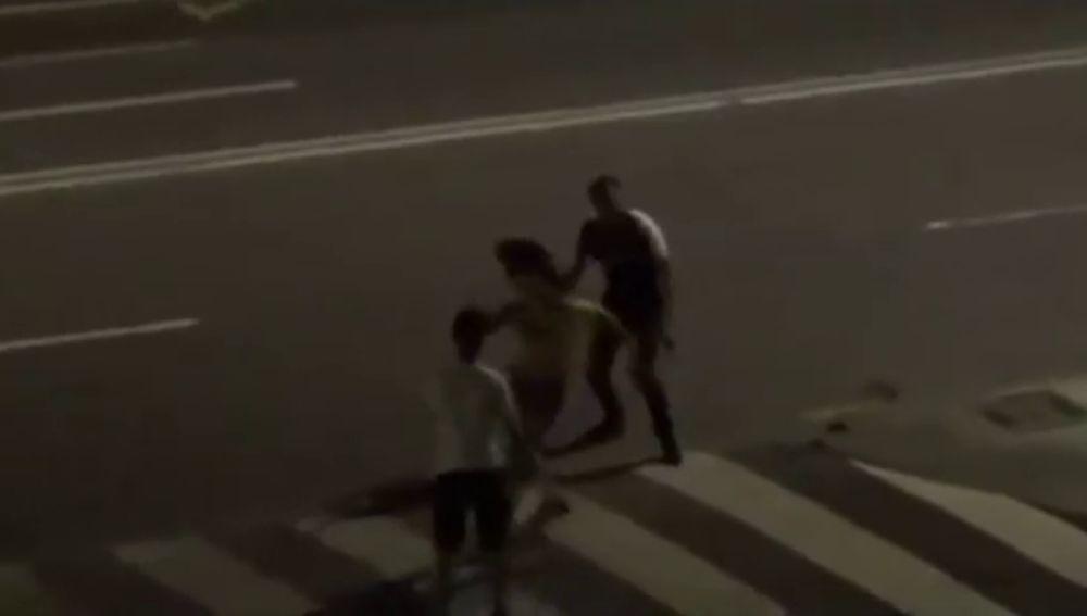 Batalla campal entre unos jóvenes que se encontraban en un botellón en Valencia