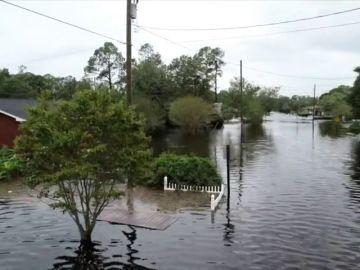 Ascienden a 13 los muertos, entre ellos un bebé, a causa del paso de 'Florence' por Carolina del Norte