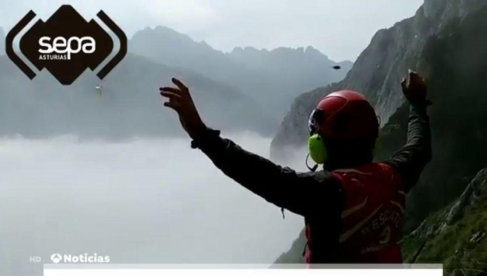Muere un montañero de 56 años en Los Picos de Europa tras caer por un desnivel de 100 metros