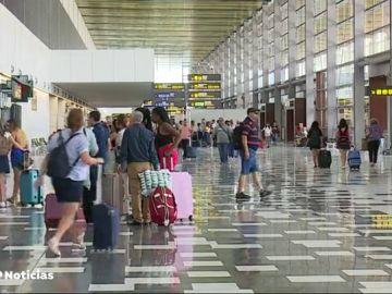 Pasillo de aeropuerto