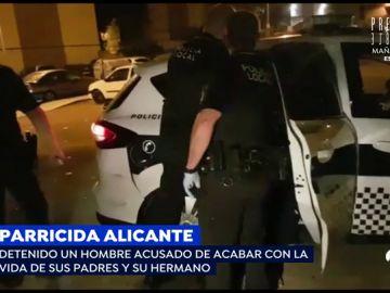 """El calvario de los padres asesinados por su hijo en Alicante: """"Dice que va a quemar la casa o el coche con nosotros dentro"""""""