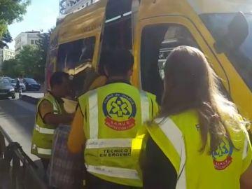 Evacúan un vagón de metro en Príncipe de Vergara tras estallarle un ordenador portátil a una joven