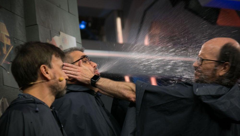 Santiago Segura, José Mota, Florentino Fernández y Pablo Motos juegan a '¿Quién tiene agua en la boca?' en 'El Hormiguero 3.0'