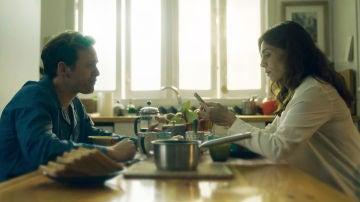 Desayunamos con Peter y Ainhoa en el rodaje del segundo capítulo de 'Presunto Culpable'