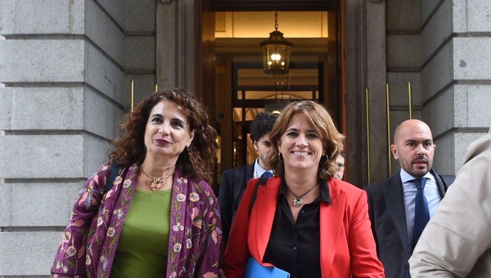 Montero y Delgado a su salida del Congreso