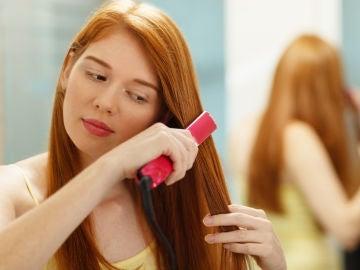 Trucos para no destrozarte el pelo con la plancha
