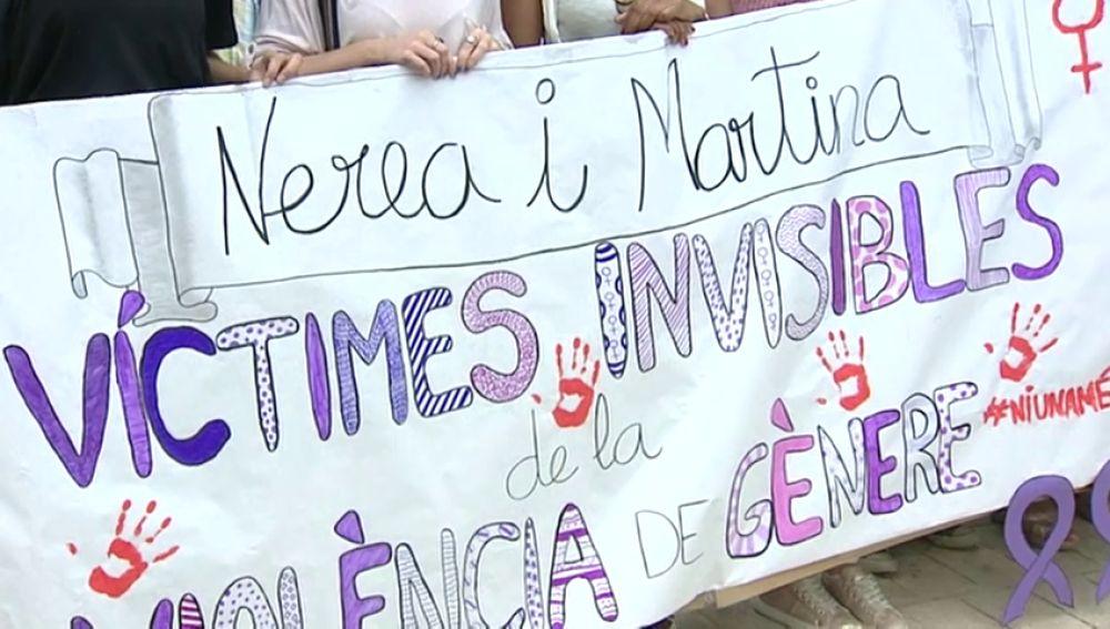 Concentración en repulsa por los asesinatos de dos niñas en Castellón