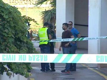 Hallan el cuerpo sin vida de una mujer con signos de violencia en una vivienda de Torrox (Málaga)