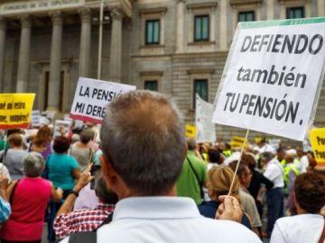 El Banco de España sugiere incentivar a quien se jubile después de los 65 años