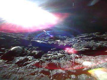 Dos sondas japonesas envían imágenes de un asteroide a casi 300 millones de kilómetros de distancia