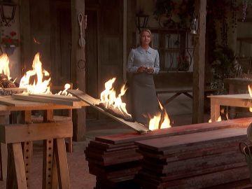 La casa de Isaac arde en llamas y Antolina está involucrada