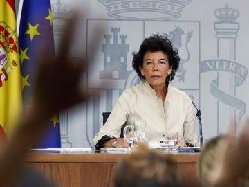 La ministra portavoz Isabel Celaá