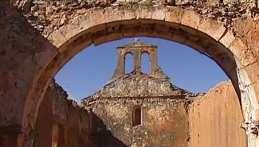 Roban dos capiteles románicos en Soria