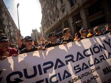 """Policías nacionales y guardias civiles se manifiestan en Barcelona para reivindicar la """"equiparación salarial"""""""