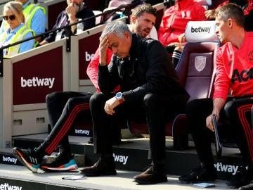 Mourinho, pensativo