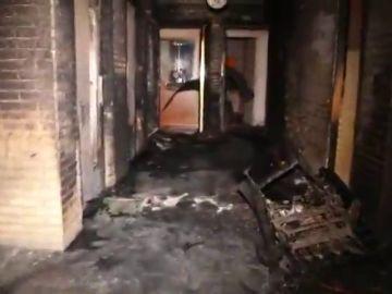 Más de 30 intoxicados por inhalación de humo en el incendio de un edificio en Madrid