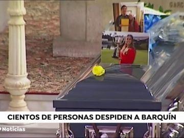 Cientos de personas se reúnen en Torrelavega para dar el último adiós a Celia Barquín