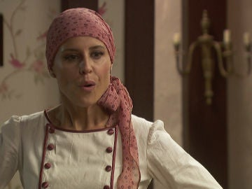 Anacleto se presenta en casa de Irene dispuesto a reencontrarse con ella
