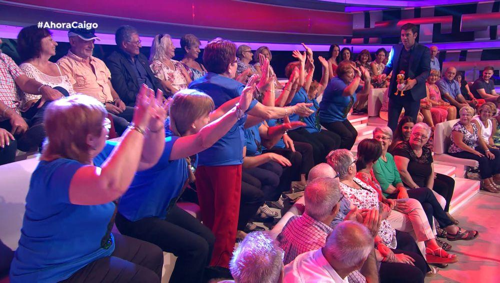 Las cheerleader revolucionan el plató de '¡AhoraCaigo!'