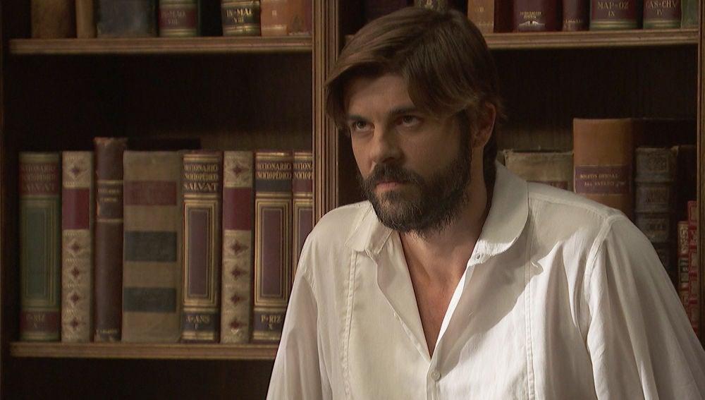 Fernando ofrece a Gonzalo toda su ayuda para encontrar a los padres de María