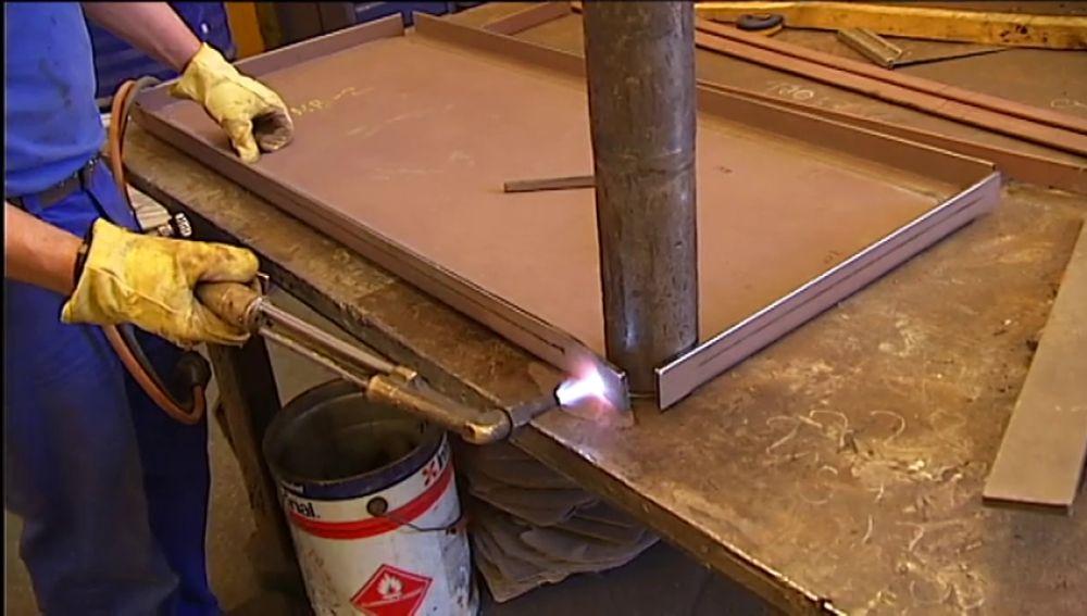 El metal gallego ofrece 3.000 empleos, sin exigir cualificación ni experiencia