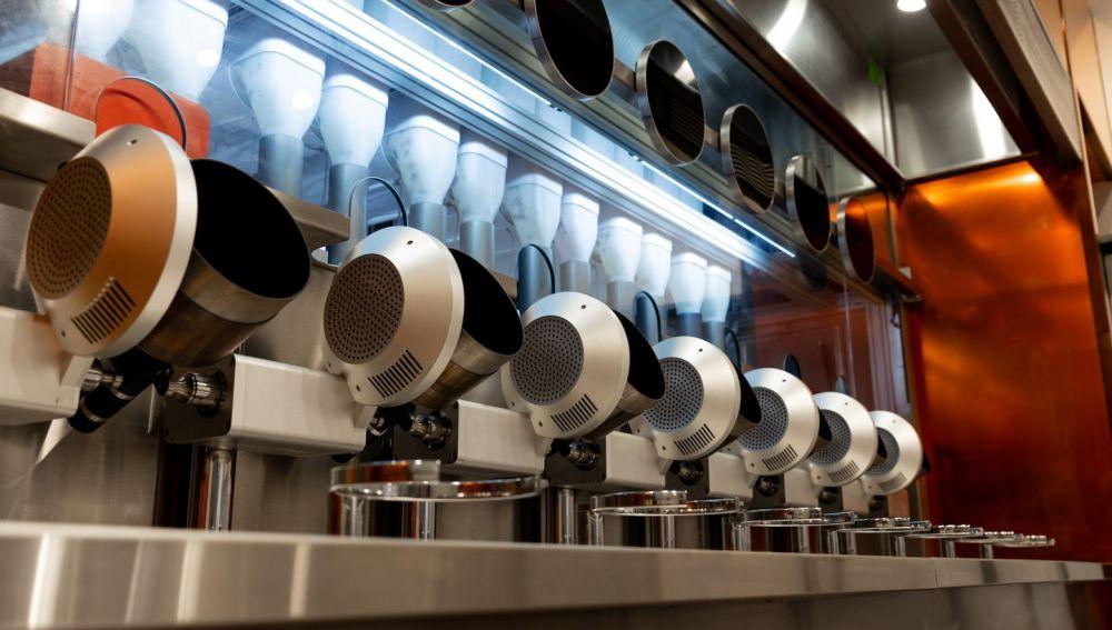 Robots en un restaurante