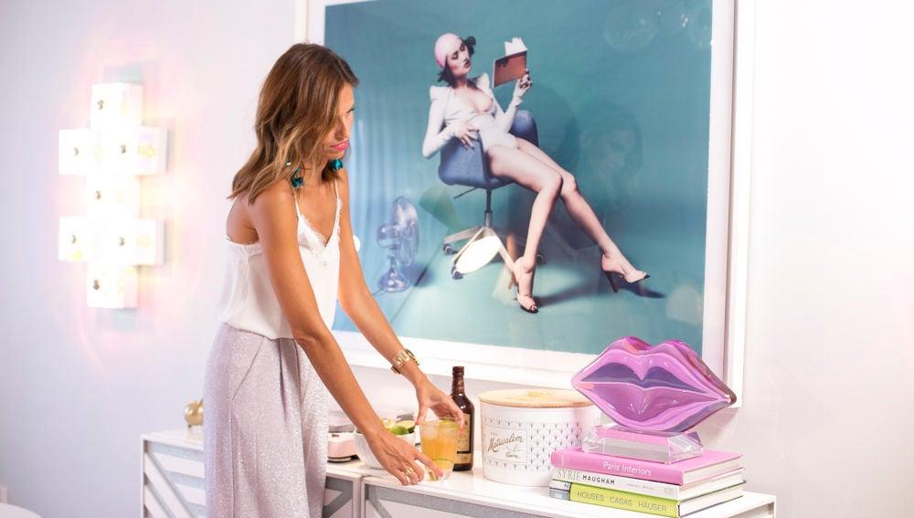 Las fotografías de modelos presiden las paredes