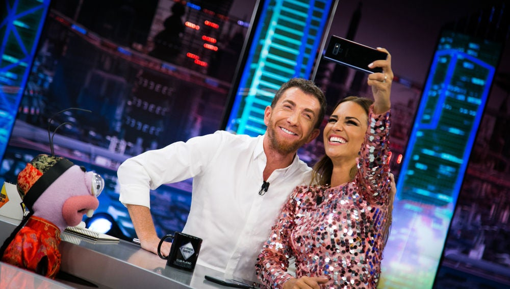 Paula Echevarría le enseña a Pablo Motos los mejores trucos para ser instagramer