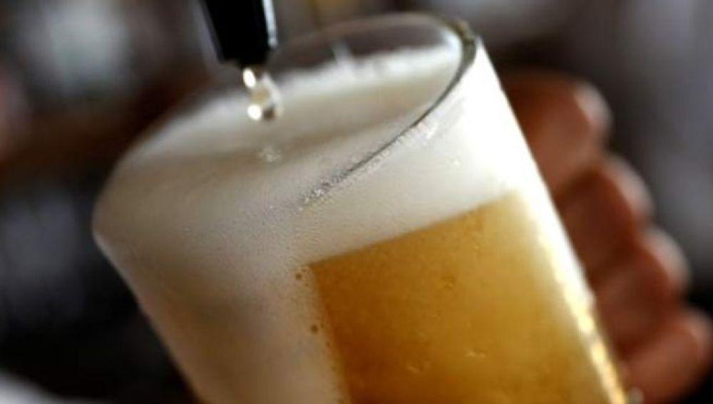 Imagen de archivo de una caña de cerveza