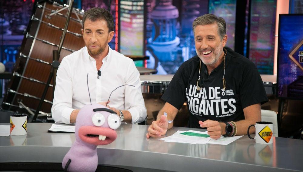 Emilio Aragón disfruta con la divertida sección de Trancas y Barrancas, '¿Tumbado o de pie?'