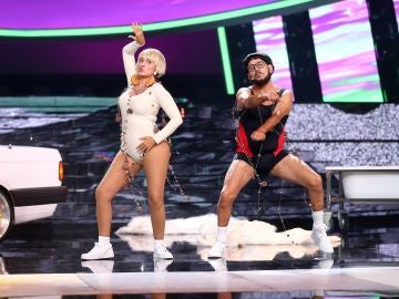 Te mostramos un adelanto de la loca actuación de Silvia Abril y José Corbacho