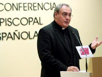 El secretario general de la Conferencia Episcopal, José María Gil Tamayo