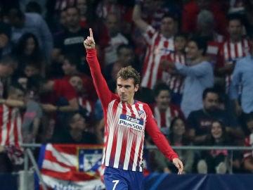 Griezmann celebra uno de sus goles con el Atlético